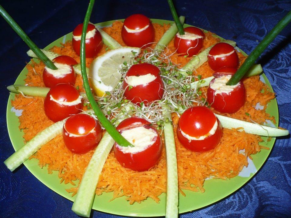 Храната е изкуство и трябва да е красива на първо място за очите, а след това да е и полезна за стомаха!
