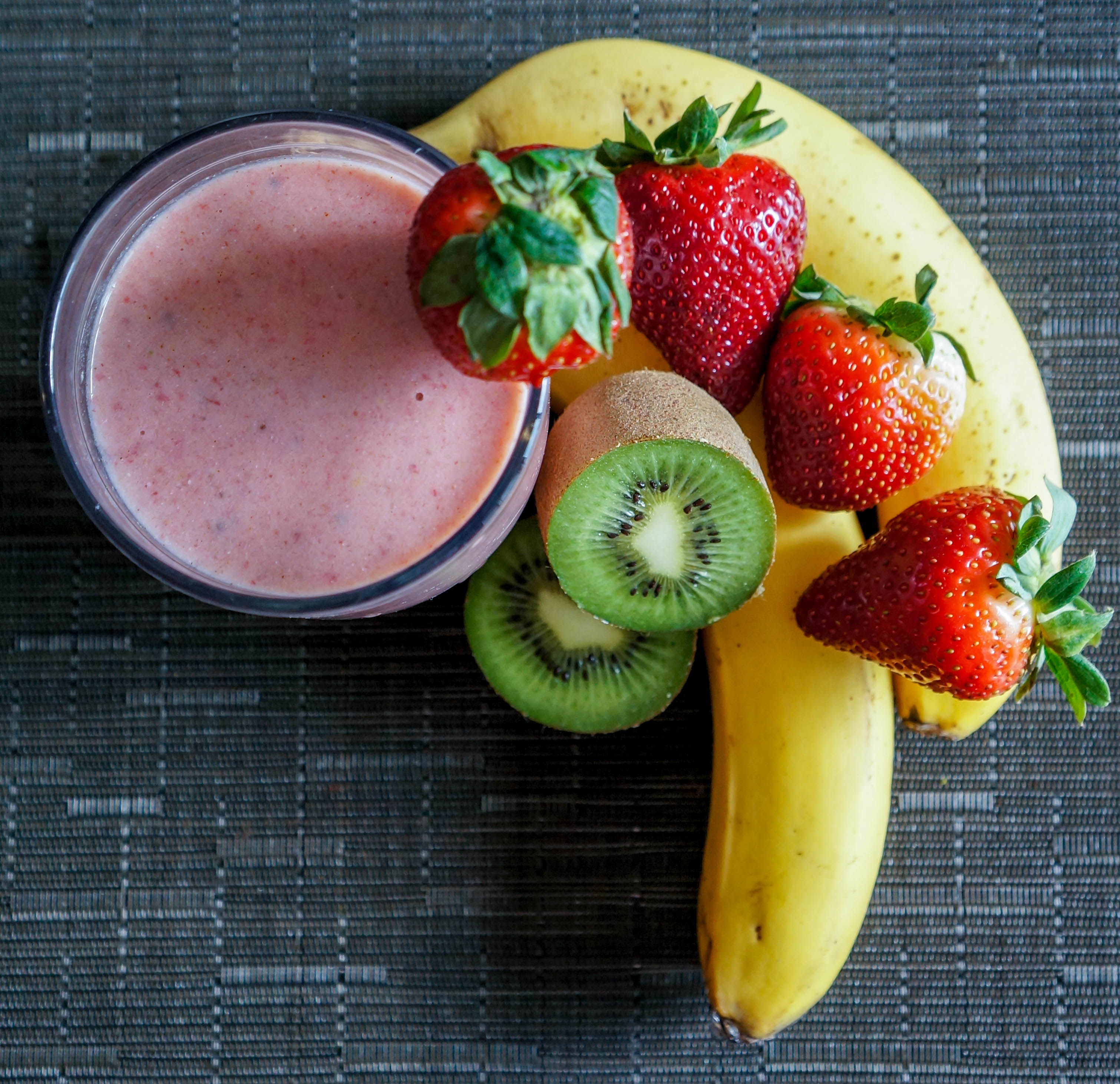 Strawberry-Banana-Kiwi-Flax-1