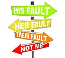 """Типична фраза за външната локация: """"Нейна/Негова/Тяхна е вината. Аз не съм виновен"""""""