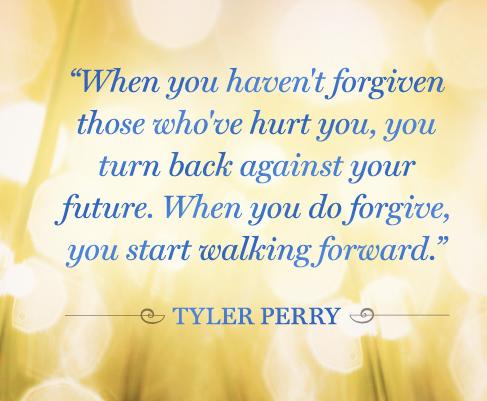 """""""Прости на онези, които са те наранили! Когато не им прощаваш, ти се обръщаш срещу своето собствено бъдеще. Когато простиш - започваш да вървиш напред!"""""""