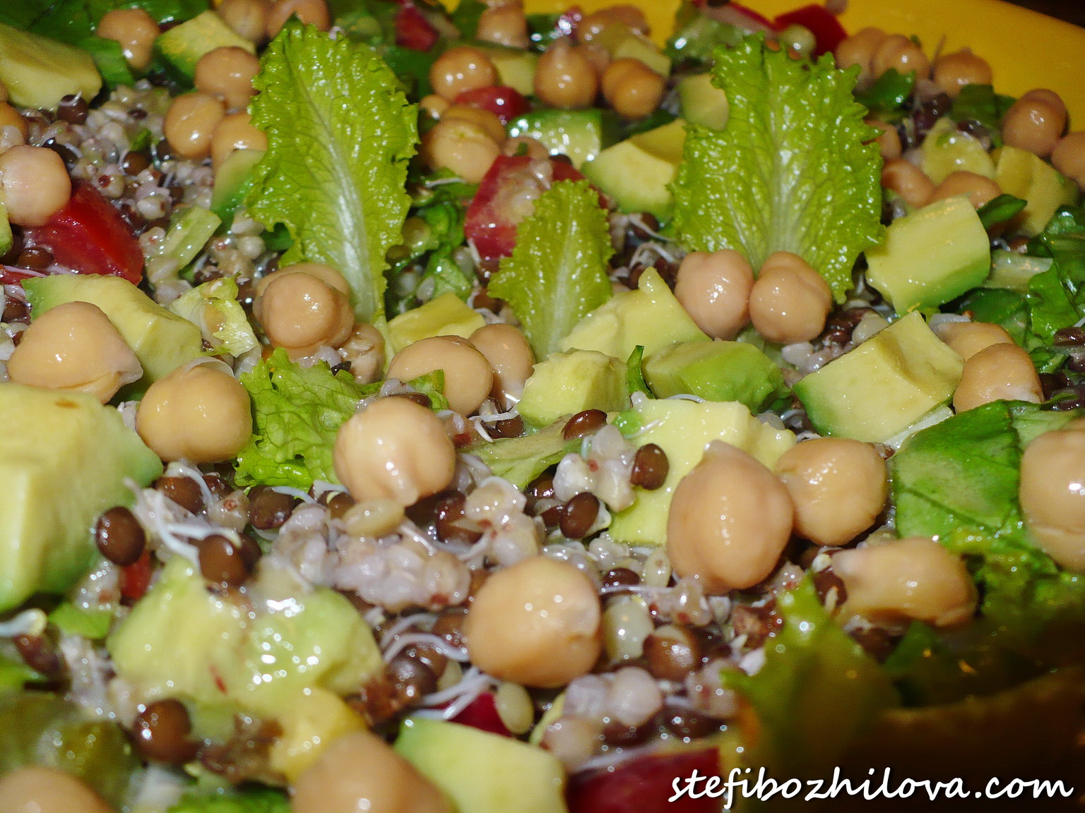 Rich salad with avocado, chickpeas, black lentils, buckwheat - 2